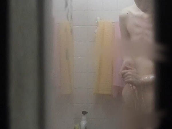 【お風呂】キュートなちっぱいにパ◯パンのスレンダーお姉さんのお風呂タイム♪